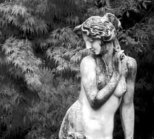 Greek statue_300x271