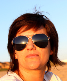 Close-up portrait of a woman with sunglasses